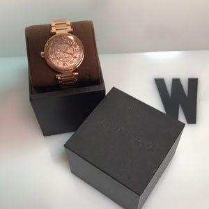 NWT Michael Kors Rose Gold Skylar watch